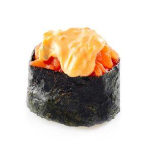 Гункан острый с лососем